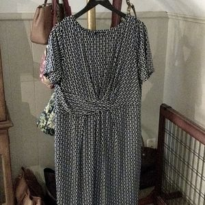 LANE BRYANT Black and white short sleeve dress
